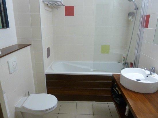 Residence Tropic Appart'hotel : salle de bain