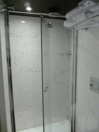 Hotel Armoni: doccia stanza singola