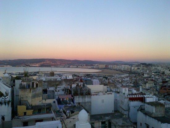 Albarnous Maison d'Hotes: il tramonto dal terrazzo