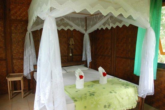 Bunaken SeaGarden Resort: Lovely Bed