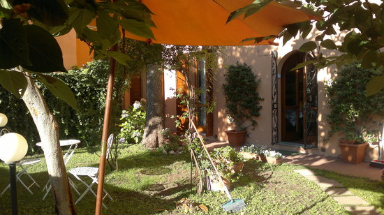 B&B At Alice's Garden: giardino di alice