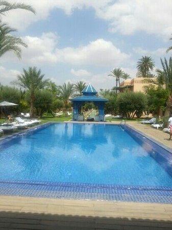 Jardin d'Inès : piscine