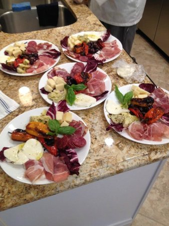 Vinny & Cheryl's Italian Kitchen : Antipasto Plate