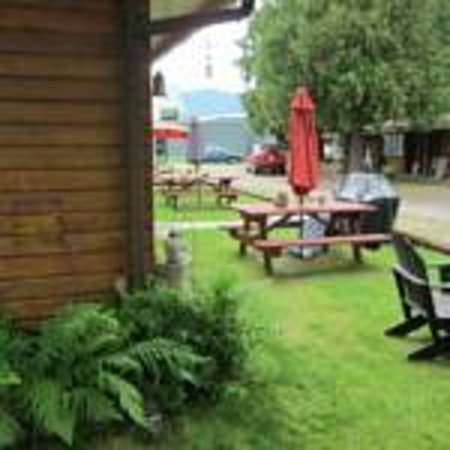 Sicamous, Kanada: Grounds