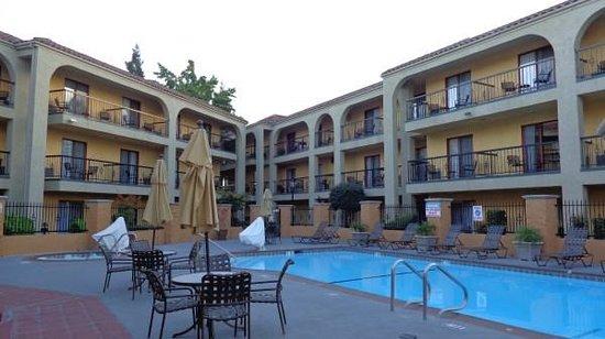 Best Western Plus Heritage Inn: Pool