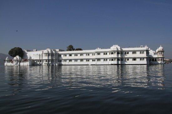 Taj Lake Palace Udaipur: Hotel