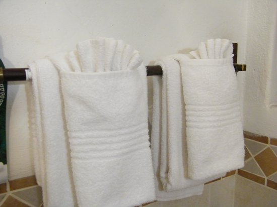 Rainbow Hotel Victoria Falls: somebody took a lot of trouble with the towels!