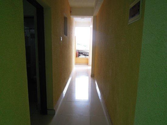 Emeraude Hotel : Corridor