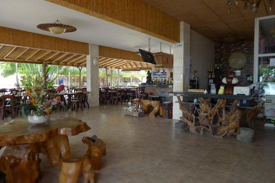 Malapascua Legend : Main reception area