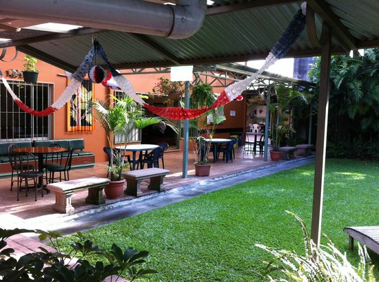 Costa Rican Language Academy CRLA: Our garden area for meeting