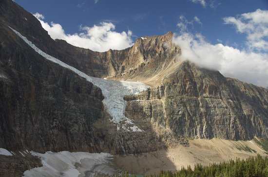Cavell Meadows Trail: Angel Glacier