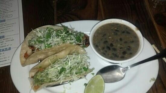 Pismo's Coastal Grill: fish tacos