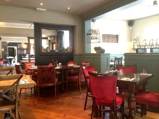 The Curious Pig in the Parlour : Dining room