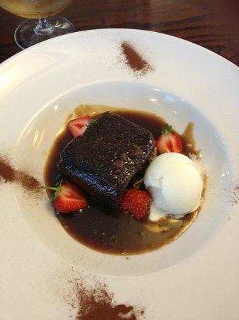 Nevis Bank Inn: Sticky toffee pudding