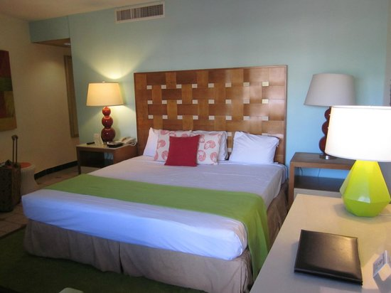 Sunscape Curacao Resort Spa & Casino: Nicely decorated room