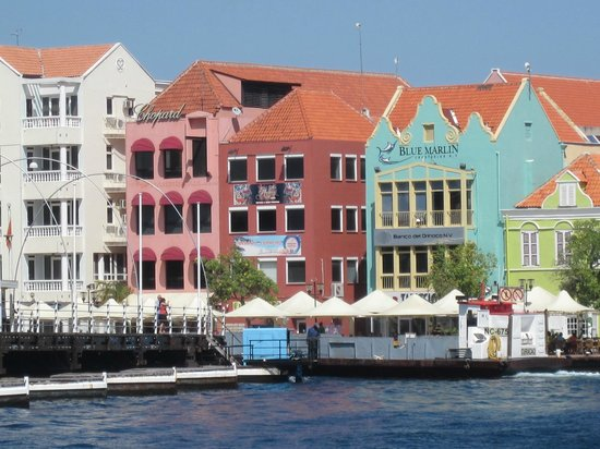 Sunscape Curacao Resort Spa & Casino: downtown Willemstad