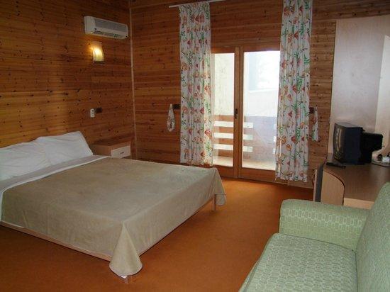 Hotel Adriatik 2: A Room