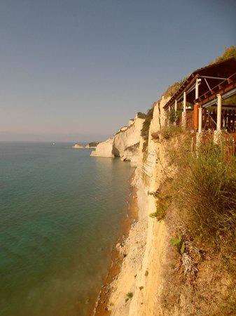 Panorama Restaurant and 7th Heaven Cafe: la spiaggia sottostante