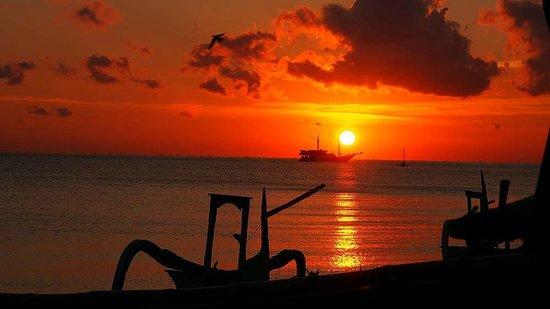 Hotel Uyah Amed & Spa Resort: Amed Sunsrise