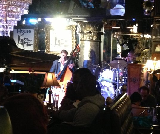 House of Jazz: Live Jazz is awesome!!