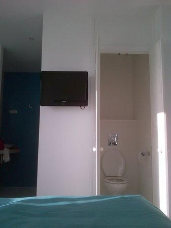 Best Western Kemaris: Vue du Lit ...les toilettes