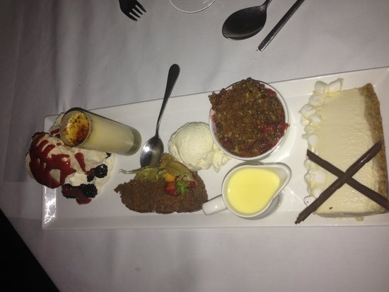 Downcliffe House Hotel: Delicious Sharing pudding platter!