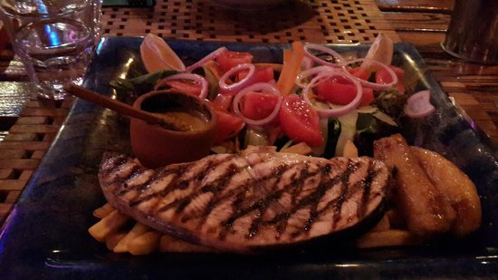 Help Beach Bar: Kılıç Balığı Special