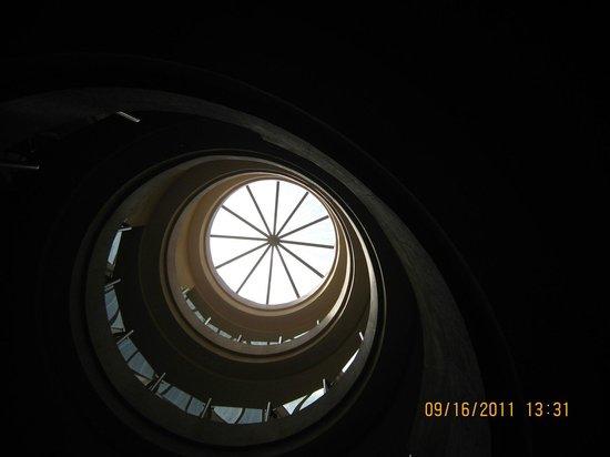 Hotel Santa Rita: En el lobby vista de cada nivel superior