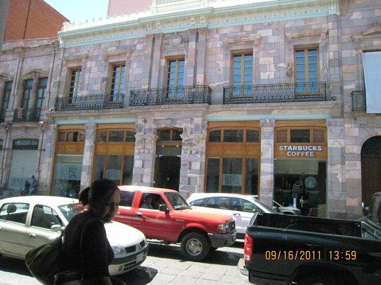 Hotel Santa Rita: Fachada de Santa Rita
