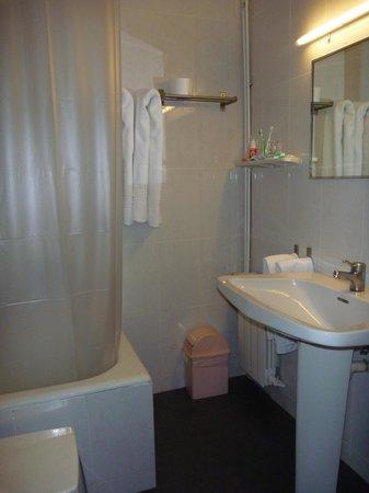 Hotel Paseo De Gracia : salle de bain