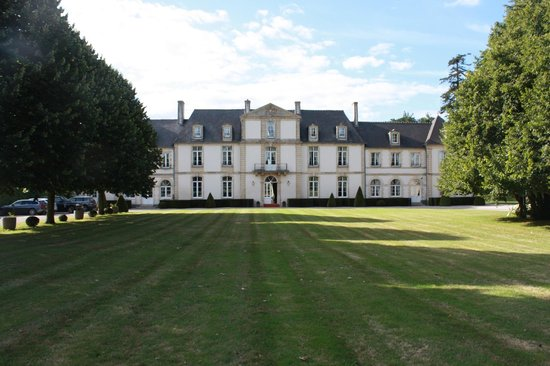 Le Chateau de Sully