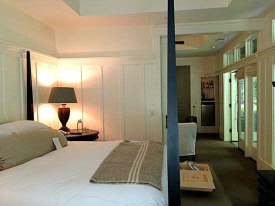 Farmhouse Inn: Bedroom/suite