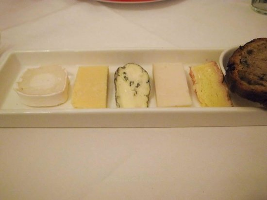 Le Courage : Cheese Platter