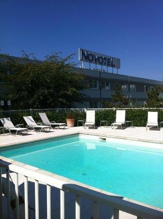 Piscine Hors Service Malgre Beau Temps Picture Of Novotel Amiens