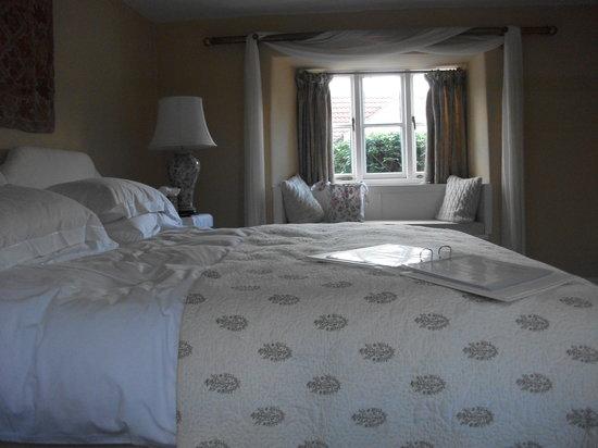 Munden House: Chesil room