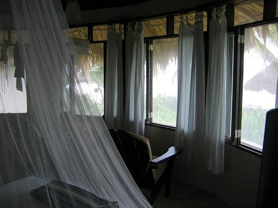 Maya Tulum Resort: Windows open to the sea!