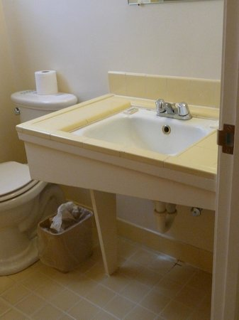 Melody Ranch Motel: stylish vintage wash basin