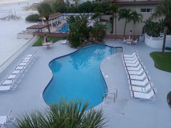 Long Key Beach Resort & Motel: Picture taken from the top floor of their observation deck!