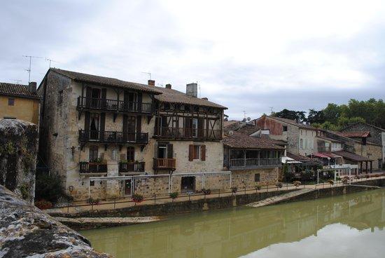 Auberge du Pont Vieux : l'hotel