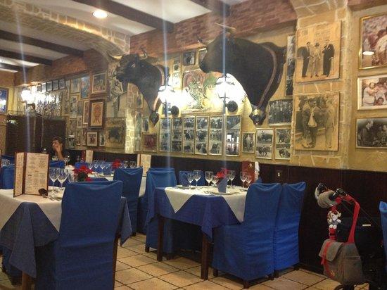 Restaurante Casa Riquelme: El local