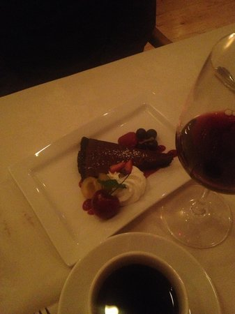 Bistro at Westwood Lake: Dessert...mmmmm