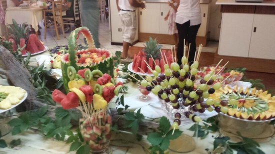 Hotel Roxy & Beach: Buffet frutta