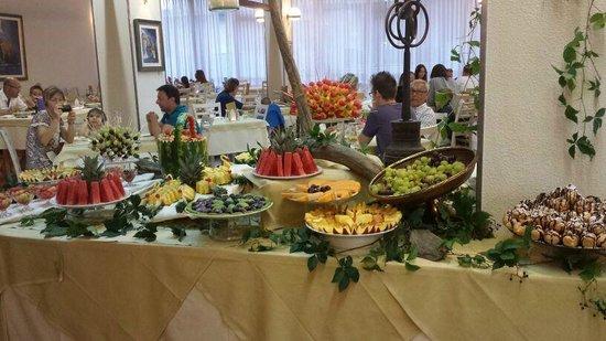 Hotel Roxy & Beach : Buffet dolci e frutta