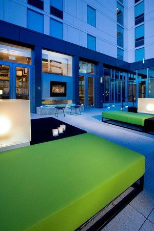 Aloft mount laurel updated 2017 prices hotel reviews for Hotels 08054