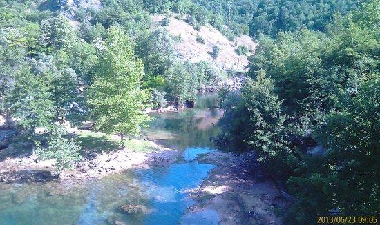 Hotel Kostelski Buk: Una river.