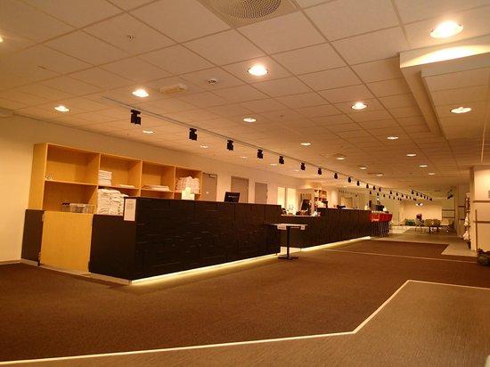 Anker Apartment: lobby