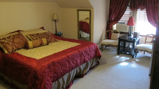 Confluence House Bed & Breakfast and Catering Services, LLC: Suite/Room top floor