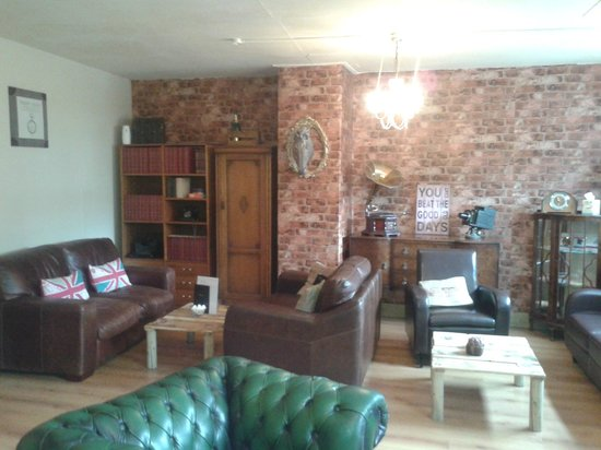 Upstairs at the bay tree picture of bay tree tea room for 8 living room tree houses powys