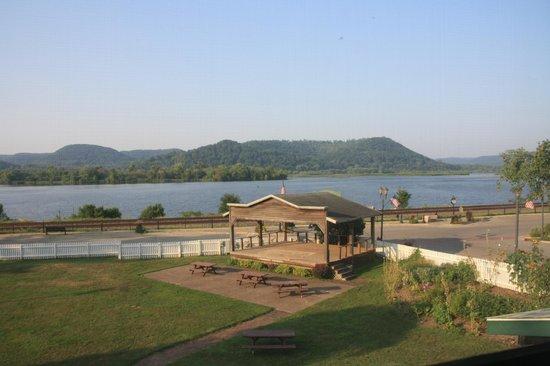 Trempealeau Hotel: Mississippi River