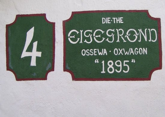 Oxwagon Lodge: Authentic historic ox wagons